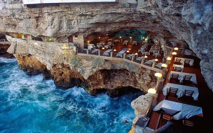 Μοναδικά εστιατόρια που θα σας κάνουν να ξεχάσετε το φαγητό (1)