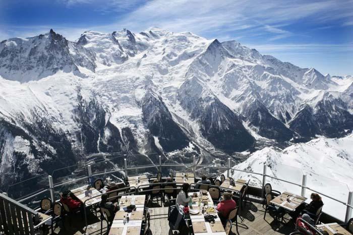 Μοναδικά εστιατόρια που θα σας κάνουν να ξεχάσετε το φαγητό (2)