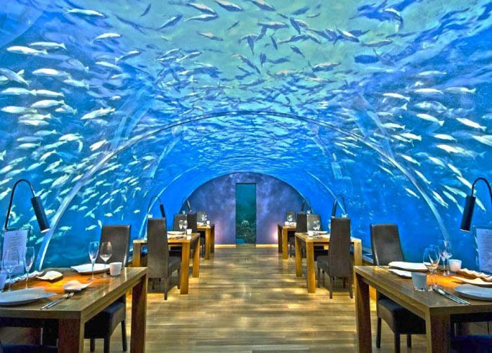 Μοναδικά εστιατόρια που θα σας κάνουν να ξεχάσετε το φαγητό (3)