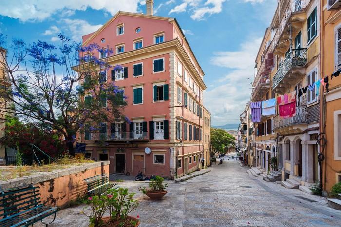 Πάσχα: Οι 5 ιδανικοί προορισμοί & τα έθιμά τους | proorismoi.gr
